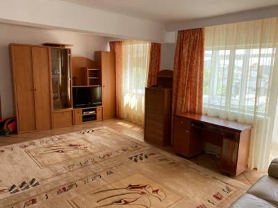 Apartament in zona FALEZA NORD,