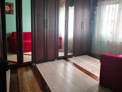 apartament situat in zona INEL I