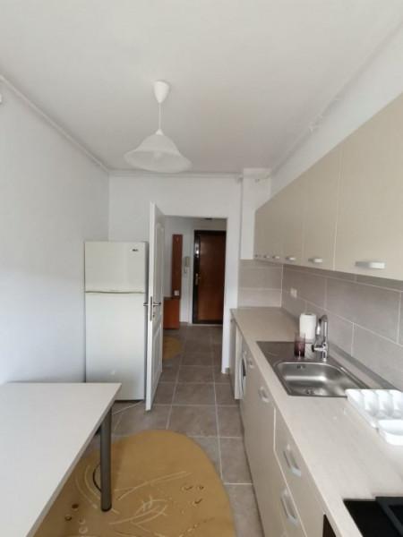 apartament situat in zona DACIA
